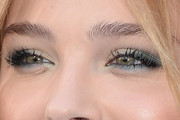 Chloe Grace Moretz Bright Eyeshadow