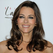 Elizabeth Hurley Hair - Medium Wavy Cut