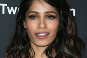 Freida Pinto Shoulder Length Hairstyles