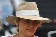 Hilary Duff Casual Hats