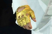 Justin Bieber Metallic Gloves