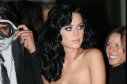 Katy Perry Long Wavy Cut