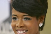 Kelis Short Side Part