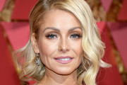 Kelly Ripa Shoulder Length Hairstyles