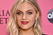 Kelsea Ballerini Shoulder Length Hairstyles