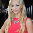 Laura Vandervoort Hair - Long Wavy Cut