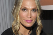 Molly Sims Medium Curls
