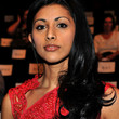 Reshma Shetty Side Sweep