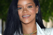 Rihanna Shoulder Length Hairstyles