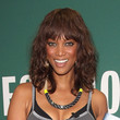 Tyra Banks Hair - Medium Wavy Cut with Bangs