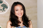 Shu Qi Medium Curls