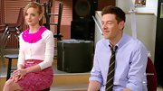 Jayma Mays' bright pink skirt made her look extra feminine and fun!