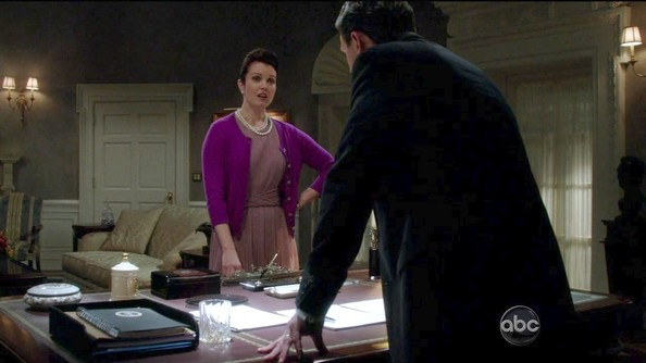 Bellamy Young Clothes
