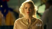 Chin up Jaime King, your love life on 'Hart of Dixie' may not be going great, but your curly bob looks impeccable.