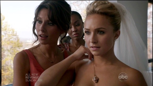 More Pics of Hayden Panettiere Cameo Pendant Necklace (2 of 22) - Cameo Pendant Necklace Lookbook - StyleBistro