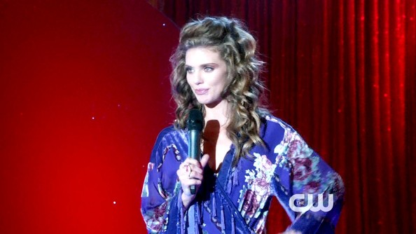 More Pics of AnnaLynne McCord Robe (1 of 16) - Robe Lookbook - StyleBistro