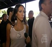 Melissa Gorga added bling to her white tank with a big sparkly necklace.