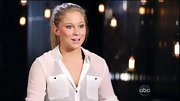 Shawn Johnson kept things simple on 'DWTS' with a silky utility blouse.