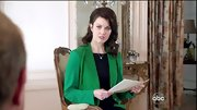 Bellamy Young sported this Kelly green blazer on 'Scandal' for a sleek and classic look.