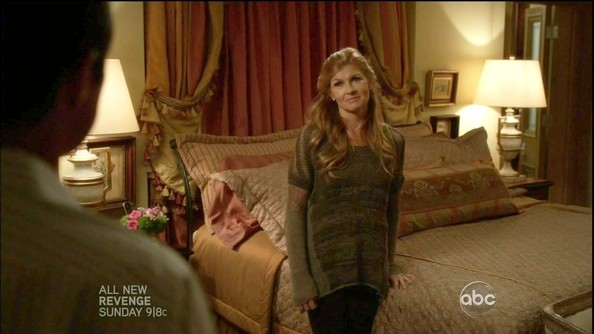 More Pics of Connie Britton Crewneck Sweater (3 of 17) - Connie Britton Lookbook - StyleBistro