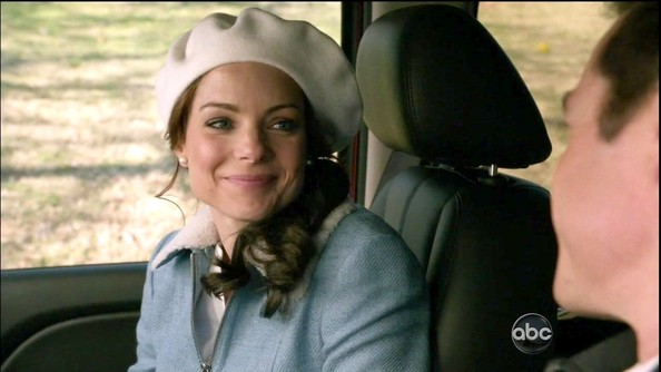 More Pics of Kimberly Williams-Paisley Beret (1 of 2) - Beret Lookbook - StyleBistro